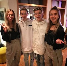 Lisa and Lena & Marcus and Martinus Lisa, Keep Calm And Love, My Love, Cute Twins, Back Off, My Sunshine, Youtubers, Have Fun, People