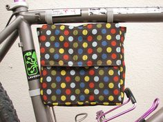 Bicycle lunch bag by L. Marie, via Flickr                                                                                                                                                                                 Mais
