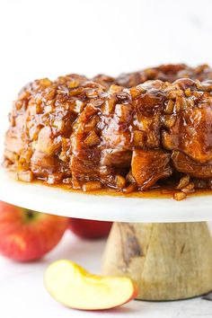 This easyApple Fritter Monkey Bread is the ultimate Fall dessert recipe! Fluffy pull-apart bread is layered with warm cinnamon apples for a fun and yummy treat. #applebread #applefritterbread #monkeybread #howtomakemonkeybread #monkeybreadrecipe #applebreadrecipe #applefritterrecipe #pullapartbread Homemade Monkey Bread, Cinnamon Monkey Bread, Apple Monkey Bread, Apple Fritter Bread, Apple Fritters, Apple Recipes, Sweet Recipes, Apple Desserts, Fruit Recipes