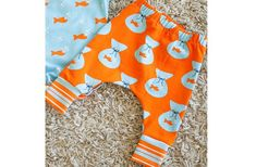 Shauna from Shwin & Shwin shares a free pattern for making a pair of baby pants. They're made from knit fabric,…