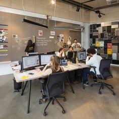 bremen next-rauminraum-germany-interior design-office design-radio station