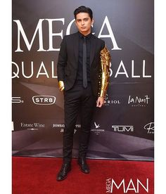 """James Reid🐺 pe Instagram: """"The 10 Best-Dressed Men At The MEGA Equality Ball 1. James Reid Finally, the moment James Reid emerged on the red carpet wearing an…"""" James Reid, Best Dressed Man, Jadine, Equality, Boy Outfits, Jr, Nice Dresses, Red Carpet, Costume"""