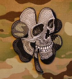 Pirate Skull Clover Military Army Morale MilSpec Black Ops SWAT ACU Velcro Patch