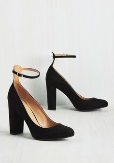 All About That Boss Heel. Forget a climb up the career ladder - in these black pumps, youre going to strut straight to the top! #black #modcloth