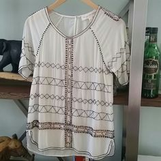 👑host pick DROP  delicate Anthropologie Don't miss it!!!! Perfect classy Anthropologie Tops