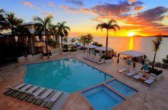 Tramonto in piscina: un modo perfetto per rilassarsi  (Isole Vergini Statunitensi) #USVI #lavitahabisognodicaraibi