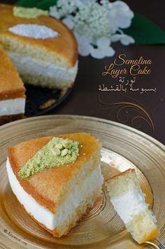 Semolina Layer Cake (Toorte Basbuusa) Gâteau de Semoule à Étages تورتة البسبوسة بالقشطة | Xawaash.com