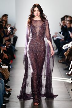 Pamella Roland - Fall 2017 Ready-to-Wear Pamella Roland Fall 2017 Ready-to-Wear Fashion Show Collection See the complete Pamella Roland Fall 2017 Ready-to-Wear collection. Couture Fashion, Runway Fashion, Look Fashion, Fashion Show, Fashion Pics, Fall Fashion, Fashion Dresses, Fashion Trends, Mode Glamour
