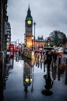 London in the rain, England #london #entertainment http://www.cfentertainment.co.uk