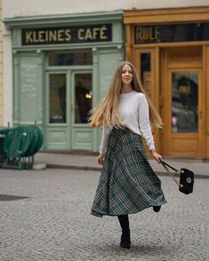 Image may contain: 1 person, walking and standing Blunt Cuts, New Week, Layered Cuts, Female Images, Midi Skirt, Style Inspiration, Long Hair Styles, Skirts, Vienna