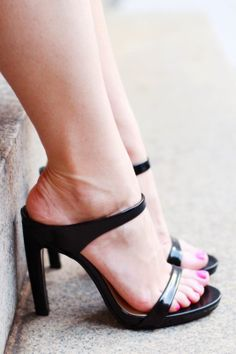 zara strappy heel sandal with essie polish via that's just fabulous