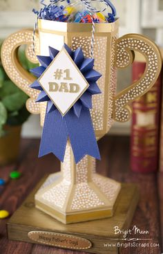 Father's Day Trophy - Dreaming Tree's Luck Of The Irish Bundle Diy Father's Day Gifts For Dad, Easy Fathers Day Craft, Father's Day Diy, Daddy Gifts, Fathers Day Gifts, 3d Paper Crafts, Diy And Crafts, Crafts For Kids, Trophy Craft