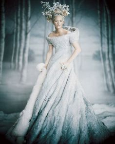 how couture does the Ice Queen look here... jeebus.