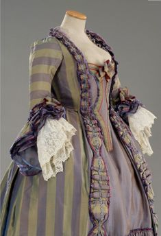 A beautiful lavender and sage hued 18th century evening dress. #Georgian #fashion #1700s