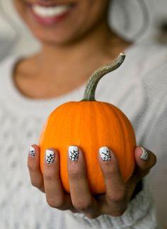 Spooky Spiderweb Nails