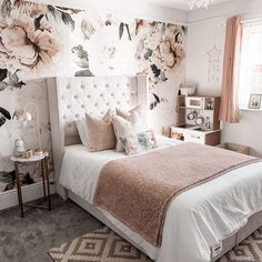 30 Absolutely Gorgeous Bedroom Ideas That Will Blow Your Mind – BuzzKee Best Bedroom Paint Colors, Pink Bedroom Decor, Bohemian Bedroom Decor, Farmhouse Bedroom Decor, Bedroom Ideas, Bedroom Inspo, Master Room, Small Room Bedroom, Home Bedroom
