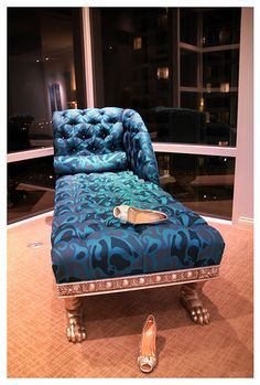 Chaise Lounge..... Nice, for my new closet... JJ