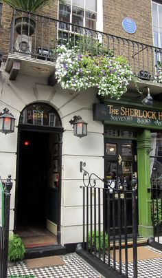 Sherlock Holmes Museum on Baker Street in London, England. Description from pinterest.com. I searched for this on bing.com/images
