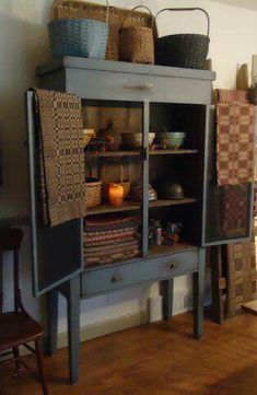 another pie safe design and screen on doors? Primitive Furniture, Decor, Country Furniture, Primitive Decorating Country, Colonial Decor, Country Decor, Primitive Living Room, Country Cupboard, Home Decor