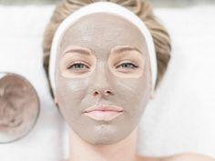 Эта маска отлично подходит для желающих выровнять оттенок кожи. Чудесное средство для борьбы с выраженными покраснениями и пигментацией. Но количество процедур должно быть ограничено. Продолжительность курса не более 1.5 месяца. Не рекомендуется применять для чувствительной и тонкой кожи. Маска из глины отбеливающая рецепт: Brunei, Mascara, Apple Cider, Cider Vinegar, Almond Milk, Beverage, Juice Cup, Damaged Hair
