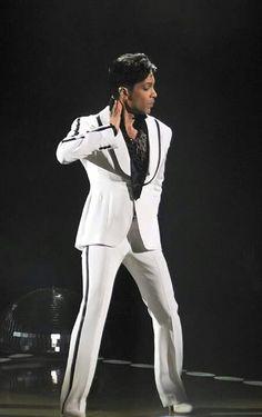 Prince 21 nights at the 02