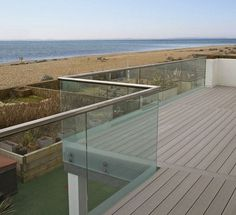 48 Remarkable Glass Railing Design for Balcony Fence - Page 6 of 52 Glass Balcony, Glass Railing, Railing Design, Stylish Kitchen, Island Design, Contemporary Bathrooms, Awesome Bedrooms, Home Repair, Rooftop