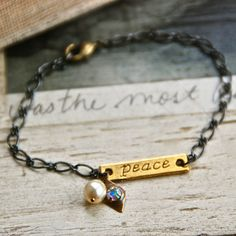 Love the sweet simplicity of this bracelet. It would go with anything at any time.
