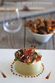 Timbal de setas estofadas, con crujiente de jamón y provolone