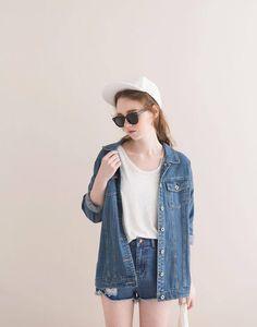Personalized Photo Charms Compatible with Pandora Bracelets. denim jacker and shorts. Korea Fashion, Asian Fashion, Look Fashion, Girl Fashion, Fashion Outfits, Fashion Trends, Fashion Styles, Fasion, Grunge Style