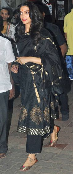 Deepika Padukone visiting Siddhivinayak temple. #Bollywood #Fashion #Style…