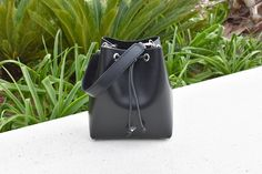 Quick reminde Vegetable Tanned Leather, Women's Bags, Tan Leather, Leather Handbags, Bucket Bag, Fashion, Moda, Leather Totes, Fashion Styles