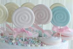 Pastel Marshmallow lollypops from Passion for Baking.