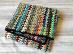 I love this scrap yarn blanket so much! Ravelry: sokkenmuis' Granny stripes
