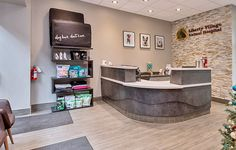 Veterinary Clinic and Animal Hospital Design. Artistree specializes in design and construction of veterinary offices and pet hospitals. Clinic Interior Design, Clinic Design, Interior Ideas, Reception Desk Design, Reception Desks, Veterinary Receptionist, Pet Hotel, New Hospital, Hospital Design