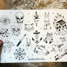 Amiguitos os traigo buenas noticias! Había preparado este flash para el viernes 13 que fue ayer, y como ha sido una semana de locos, llega tarde pero se queda durante todo el mes hasta que se agoten! Todos a 60€ 💙⚡👏🏻 Para citas, consultas o  saludar y decirnos cosas bonitas: 📍Calle Divino Pastor, 6 (Malasaña) MADRID 📩 tatuajeriacorazonsalvaje@gmail.com . . . . #andrealosantos #tatuajeriacorazonsalvaje #tattoo #blackwhitetattoo #madridtattoo #flashtattoo #malasaña #traditionaltattoo…