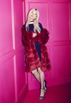 Missguided - Red Bubble Faux Fur Coat