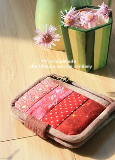 Diy Purse, Clutch Purse, Cash Wallet, Quilt Bag, Fabric Wallet, Embroidery Stitches Tutorial, Patchwork Bags, Japanese Fabric, Applique Quilts