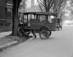 History In Pictures ‏@Mary Powers Powers Fitzgerald Georgia In Pics  A car accident in Boston, 1927
