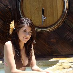 We enjoy drinking beer, but lately people are bathing in it! You can try this activity at Hacienda Santa Verónica!