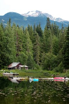Paddling kayaks or canoes is very relaxing.  With the proper kayak and canoe accessories for fishing and paddling, adventurers of all skill levels can enjoy the sport.