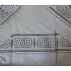 Roupa de Cama linha Palito Bordado Geométrico Caracol Cor Branco/Prata Solteiro