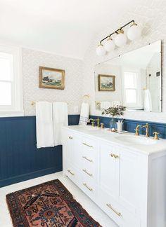4 Bathroom Paint Colors Interior Designers Swear By via @MyDomaine