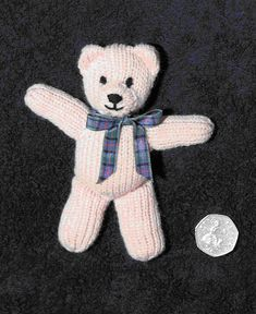 First teddy Pattern freeChild Knitting Patterns First teddy Sample Baby Knitting Patterns Need To Buy Some Toys? Whether you're someone that has kids or doesn't, you may need to buy toys for the kids inWebmail :: More Pins for your board ToysTiny bea Knitting Bear, Teddy Bear Knitting Pattern, Animal Knitting Patterns, Knitted Teddy Bear, Loom Knitting, Teddy Bears, Knitting Toys, Teddy Bear Patterns Free, Tiny Teddies