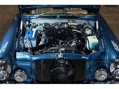Deze Mercedes-Benz 280 SE 3.5 Cabriolet uit 1970 in smaakvol blauw metallic met beige leren interieur wordt te koop aangeboden in Duitsland via Autoscout... Mercedes Benz, Mercedes Interior, Cabriolet, Maybach, Motorcycles, Beige, Cars, House, Home