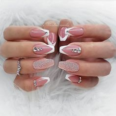 41 Elegant Nail Designs with Rhinestones Chrome und French Ombre Nails The post 41 Elegante Nageldesigns mit Strass & Nägel / Nails appeared first on Nail designs . Elegant Nail Designs, Elegant Nails, Nail Art Designs, Gorgeous Nails, Pretty Nails, Hair And Nails, My Nails, Nagel Tattoo, Crome Nails