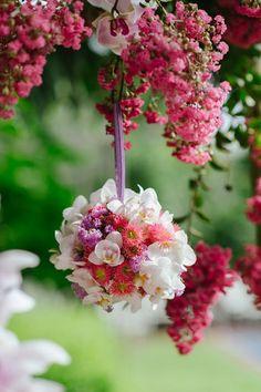 Orchid pomander | Photo by Yolande Marx | Floral design by Fleur le Cordeur