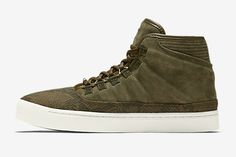 The colors of the fall season have started shifting back to earth tones – browns, tans and the like – so the Jordan Westbrook 0 is simply accommodating. Dark green suede and embossed snakeskin team up on this colorway, complete … Continue reading →