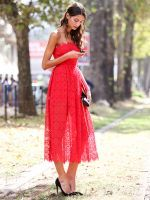How To Dress Like An Italian Girl — 50+ Lessons Worth Knowing #refinery29  http://www.refinery29.com/2014/09/74945/milan-fashion-week-2014-street-style#slide-27  Cover up a sheer skirt situation with a belted coat....