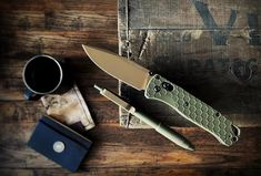 submitted by Daniel LawsonBenchmade BugoutBigiDesign Ti ClickSwitching over to a fall carry for the year.