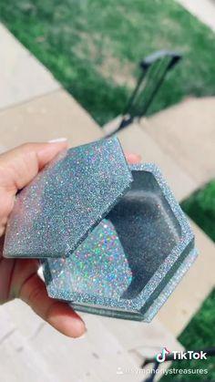 Diy Resin Mold, Diy Resin Art, Diy Resin Crafts, Resin Molds, Diy Crafts For Home Decor, Diy Crafts Hacks, Easy Diy Crafts, Diy Arts And Crafts, Diy Resin Projects